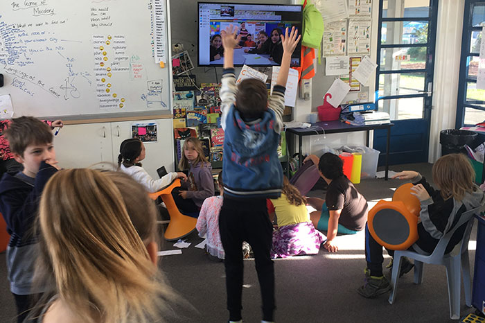 Hutt Central School Wellington skyping Poutu School in Kaipara Harbour.